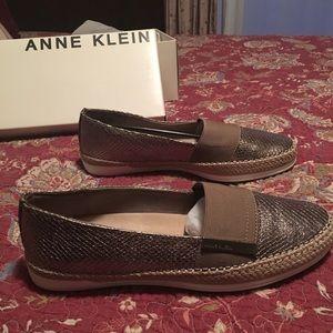NWT Anne Klein Flats